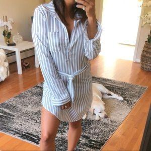 Dresses & Skirts - 25% OFF BUNDLES🌟 CASSI Striped collard dress